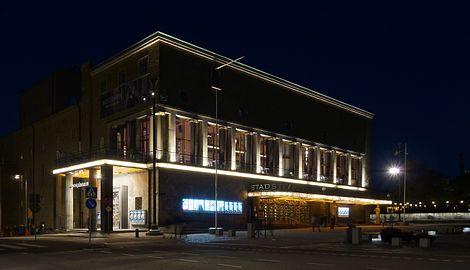 Gothenburg City Theatre at night.jpg