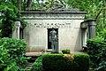 Grabmal R 6 a 31 Familie Schmitt Waldfriedhof Darmstadt.jpg
