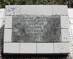 Leonard John Brass - Grave of Dr Leonard Brass in Cairns Martyn Street Cemetery