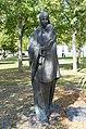 Großwarasdorf-Bronzefigur vorne.jpg