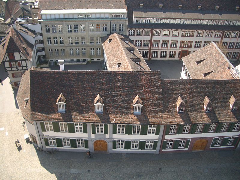 Datei:Gymnasium am Muensterplatz in Base.JPG