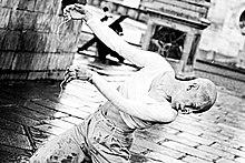 http://upload.wikimedia.org/wikipedia/commons/thumb/d/df/Gyohei_Zaitsu_Butoh.jpg/220px-Gyohei_Zaitsu_Butoh.jpg