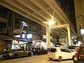 HK Tin Hau 清風街 Tsing Fung Street night road bridge Flyover Dec-2010.JPG