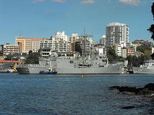 HMAS Darwin coming home May 2012 4.jpg