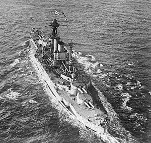 Fast battleship - Image: HMS Queen Elizabeth aerial view 1918