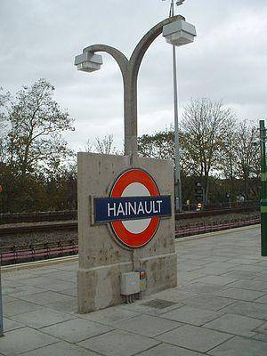 Hainault tube station - Image: Hainault stn roundel