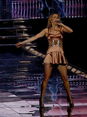 Say You'll Be There - Geri Halliwell performing the song at the Air Canada Centre