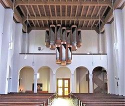 Hassel Pfarrkirche Herz Jesu Innen 02.JPG
