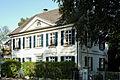 Haus Urdenbacher Allee 25 in Duesseldorf-Benrath, von Suedwesten.jpg
