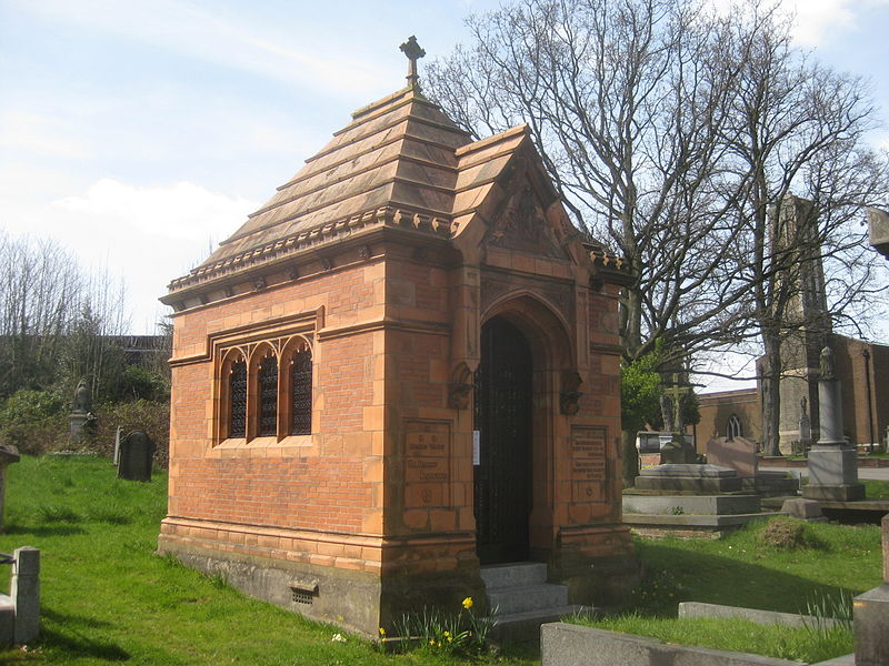 Fichier:Henry Doulton Mausoleum West Norwood Cemetery.jpg