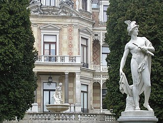 Hermesvilla - Hermés statue