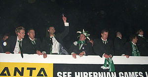Hibernian F.C. - The Scottish League Cup is paraded in March 2007.