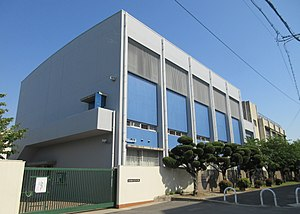 Higashiosaka City Tatetsu junior high school.jpg