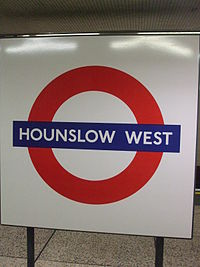 Hounslow West stn roundel.JPG