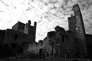 Marketa Lazarová - Image: Hrad Rabí s hradním kostelem Nejsvětější Trojice, část stojící, část zřícenina a archeologické stopy (Rabí) (3)