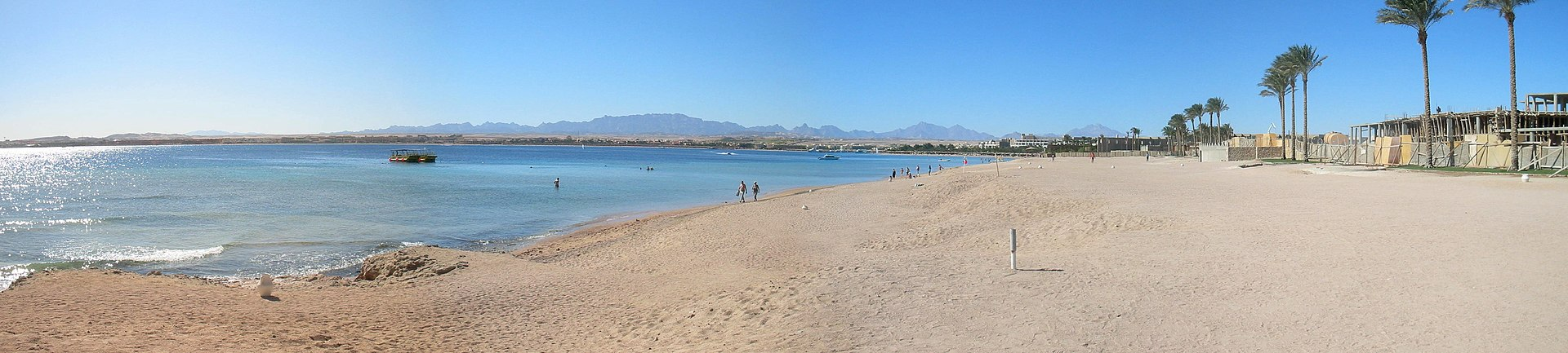 Hurghada, Qesm Hurghada, Red Sea Governorate, Egypt - panoramio - Figure (5).jpg