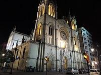 Iglesia de San Lorenzo de Gijón (8725079055).jpg