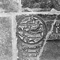 Interieur, grafzerk in koor, detail afbeelding linksonder in priesterzerk - Reeuwijk - 20374719 - RCE.jpg