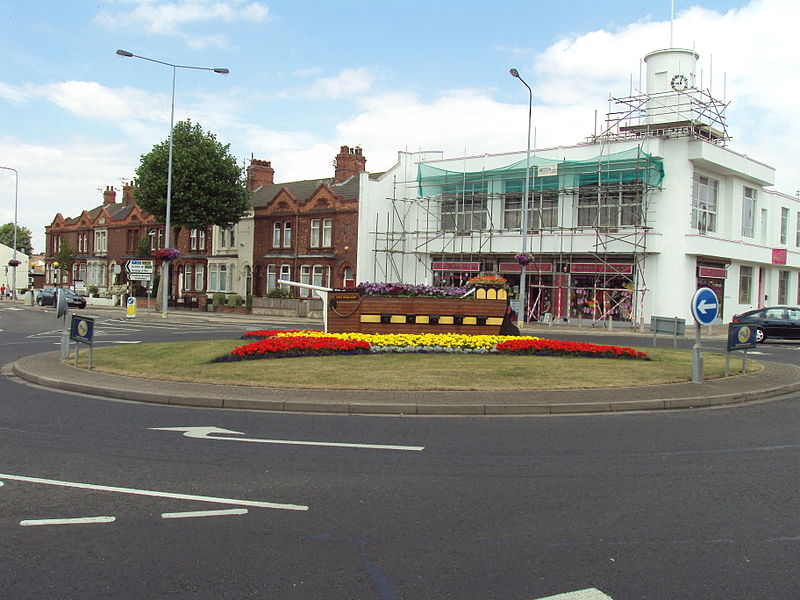 File:Isaac's Hill roundabout, Cleethorpes - DSC07323.JPG
