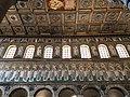 Italie, Ravenne, basilique Sant'Apollinare Nuovo, mosaïque du cortège des vierges, précédé par les rois Mages se dirigeant vers la Vierge Marie (48087050338).jpg