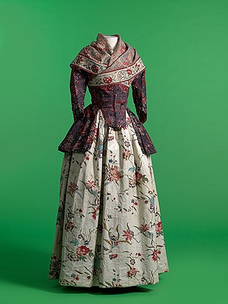 Chintz - Chintz jacket and neckerchief with glazed printed cotton petticoat. 1770–1800. MoMu, Antwerp.