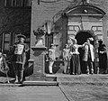 Jacoba van Beieren in De Keukenhof te Lisse. Op het bordes van kasteel Keukenho…, Bestanddeelnr 903-9223.jpg