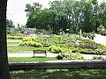Jardin de la fontaine 02 jardin zoologique de Quebec - 07-2005.jpg