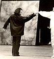 Jean-Luc Leguay en répétition avec les danseurs étoiles.jpg