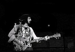 John Entwistle, The Who, 1976, Winterland, San Francisco.jpg