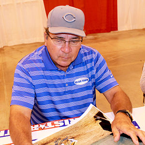 Johnny Bench - Bench signs autographs in Houston in May 2014