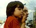 José Serra com o filho Luciano em 1974.jpg