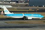 KLM Boeing 737-800 PH-BGB (39374443501).jpg