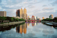 Kaohsiung-Love-River.jpg