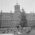 Kerstpotten aktie van Leger des Heils, Bestanddeelnr 914-5982.jpg