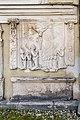 Klagenfurt Pfarrkirche hl Egid N-Seite Grabplatte E 16 Jh und Inschriftstein 18102017 1603.jpg