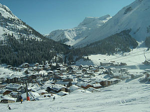 Lech (Vorarlberg) - Image: Lech village 2005