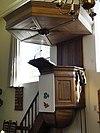 foto van Herv.Kerk: Preekstoel, orgelkast en 2 koperen kronen