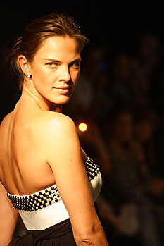 Leticia Birkheuer no Crystal Fashion 2007 4.jpg