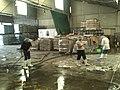 Limpiando el almacén en San Martín Texmelucan.jpg