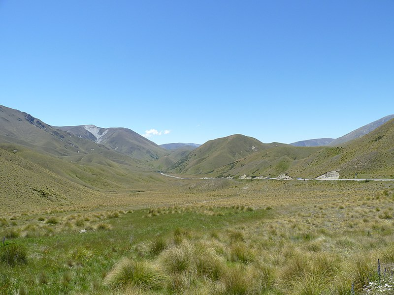 File:Lindis Pass, New Zealand (7).JPG