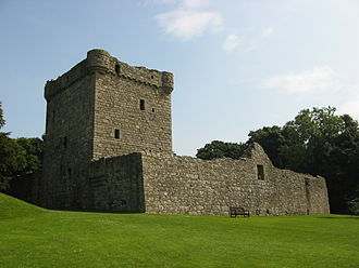 Loch Leven Castle - Image: Lochleven west wall