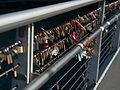Love locks on Bryggebroen 1.jpg
