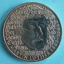 5-DM-Gedenkmünze zum 500. Geburtstag Martin Luthers (Quelle: Wikimedia)