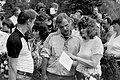 Mälestussamba taasavamine Kosel 17. juunil 1989 (026) Ain Allas ja Linda Sirel.jpg