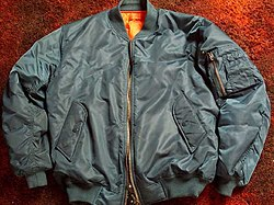 Moderni nailon materiaalista tehty MA-1 pilottitakki (bomber jacket) f88661bf20