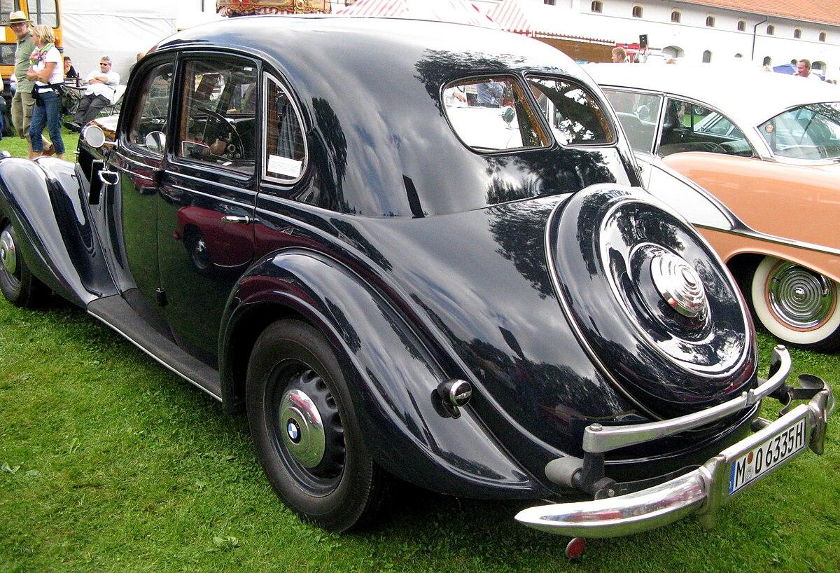 File:MHV BMW 335 1939 02.jpg - Wikimedia Commons