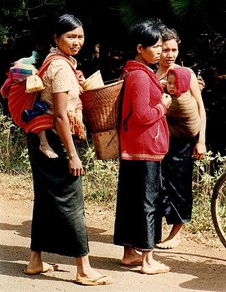 Mnong people - Mnong women near Buan Ma Thot