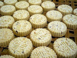 Almond biscuit - Image: Macau Koi Kei Bakery Almond Biscuits 2