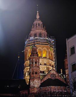 Mainz Kaiserdom St. Martin bei Nacht 8