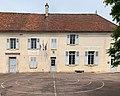 Mairie-école de Druyes-les-Belles-Fontaines (juin 2019).jpg